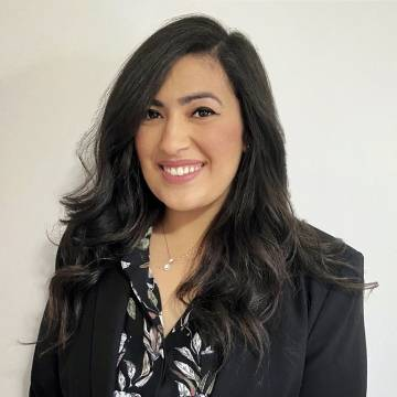 Dr. Sara Riad